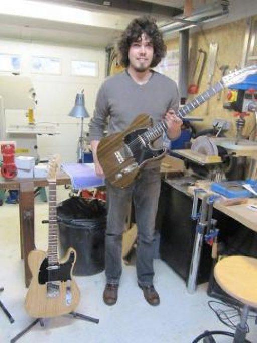 Ouest France: Maxime Jan, luthier, crée son atelier Maja Guitares